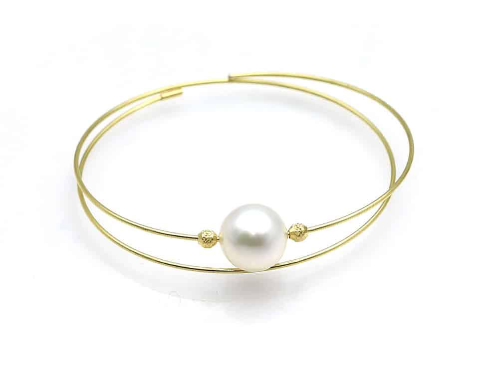 White south sea pearl bracelet