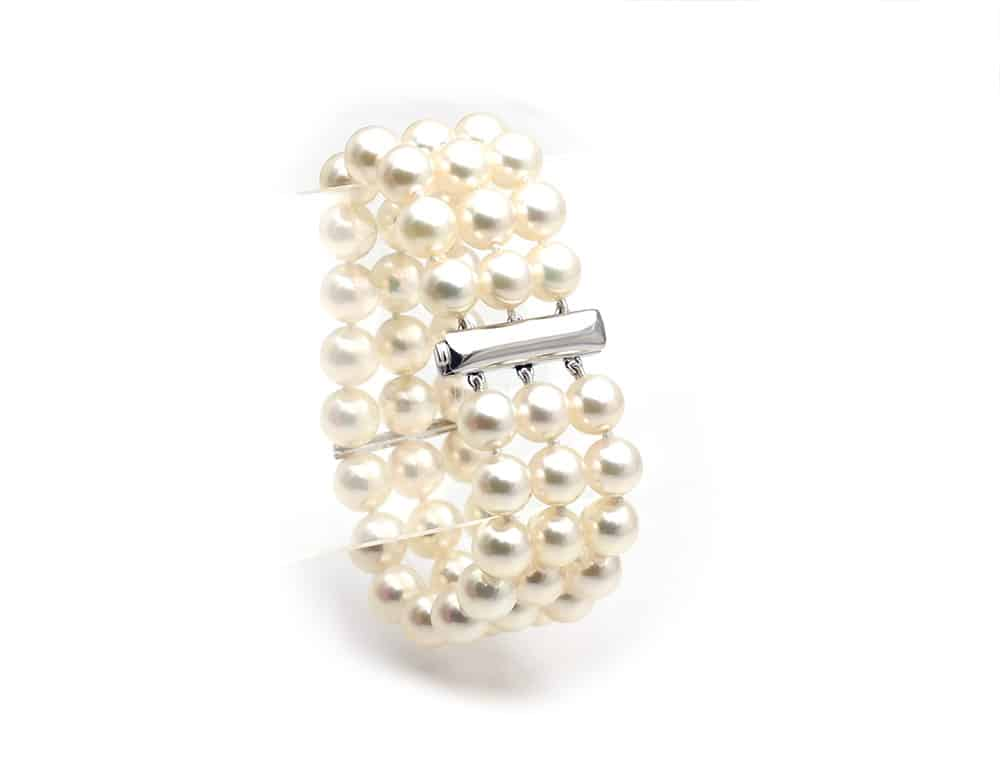 Triple japanese Akoya pearl bracelet